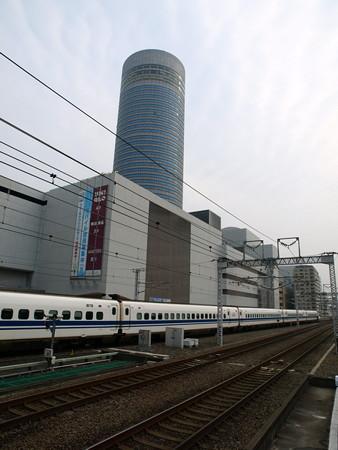 700系(新横浜駅)9