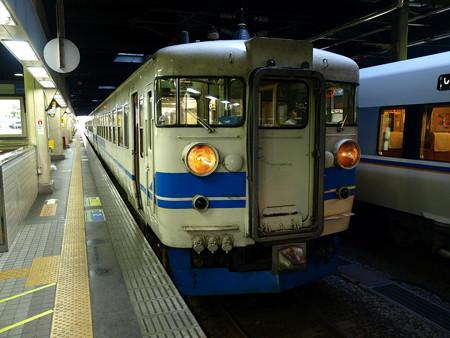 475系(金沢駅)1