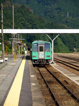 キハ120系(猪谷駅)