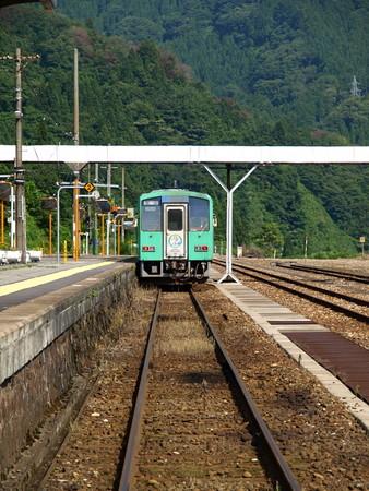 キハ120系(猪谷駅)2