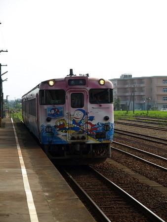 キハ40氷見線(能町駅)2