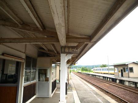 能登中島駅11