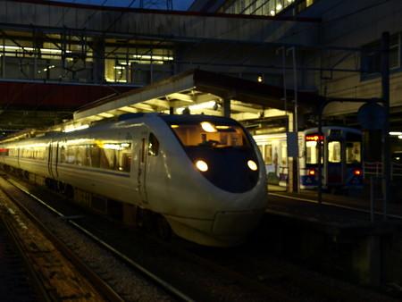 681系とHK100形(越後湯沢駅)3