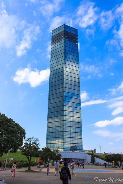 巨大姿見!「千葉ポートタワー」