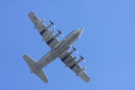 2012.10.26 和泉川  KC-130J QD-957