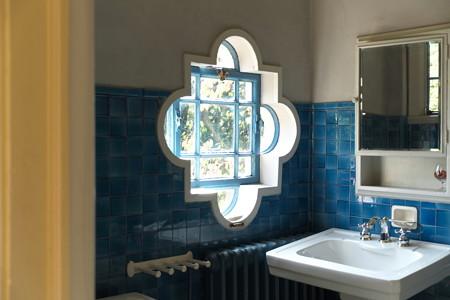 2012.11.19 山手 ベーリック・ホール 洗面の窓