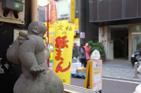 2012.11.30 中華街 雅秀殿 ぶたまん天使の像