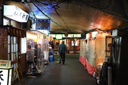 2012.12.06 有楽町 ガード下の風景