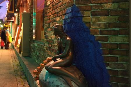 2012.12.09 横浜 大桟橋入り口 スカンディア・ガーデン 人魚姫の像