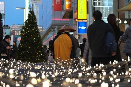2012.12.16 銀座 ヒカリノミチ 托鉢