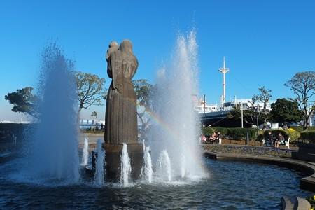 2012.12.25 山下公園 水の守護神に虹