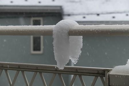2013.02.19 ベランダ 粘る雪