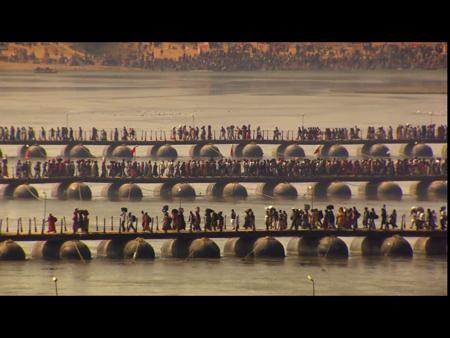 2014.02.19 NATIONAL GEOGRAPHIC 2014.02号 ガンジス川を渡る修行者
