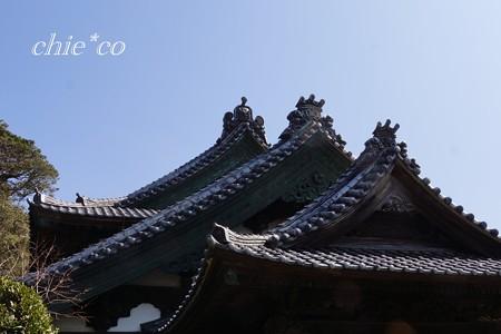 重なる屋根・・