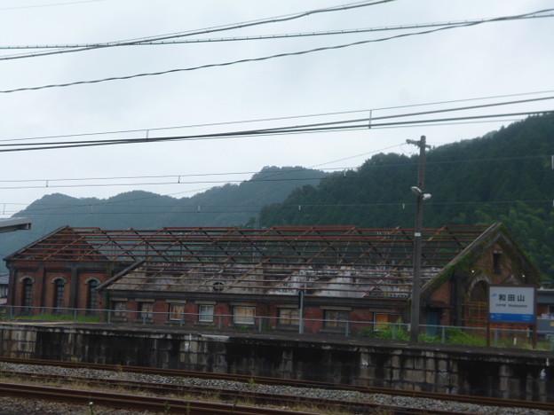 レンガ造りの和田山機関庫