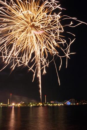 海辺の花火大会120825-b