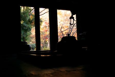 囲炉裏の茶釜と紅葉!2012