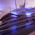 写真: 大きな客船の映りこみ!