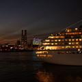 Photos: 夜景の中を出港3!
