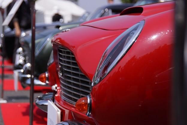 赤い車の横顔!130525