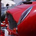 写真: 赤い車の横顔!130525