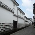 写真: 白壁の倉庫街!130806