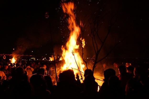 写真: 火祭りの炎!140112