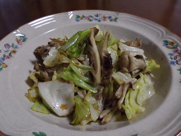 キャベツ&舞茸炒め