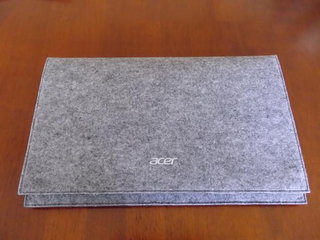 Iconia W3-810専用キーボード付属の収納カバー