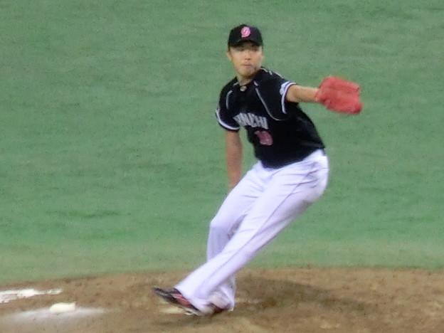 Photos: 吉見投手