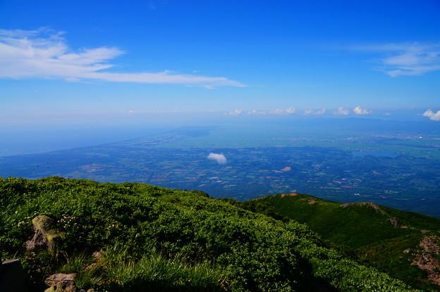岩木山より望む日本海・七里長浜と津軽平野