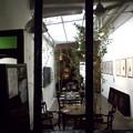 レストランで、左がワインバーの入口です。