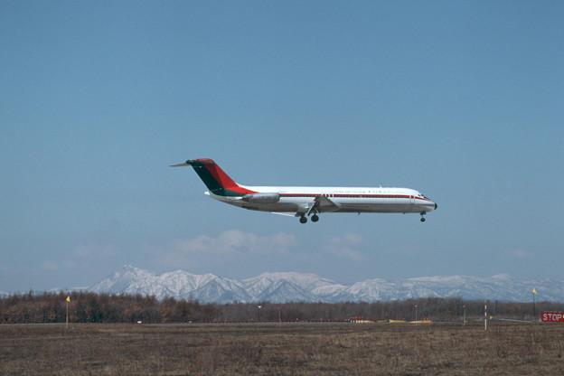 DC-9-41 JA8451 TDA CTS 1988.04