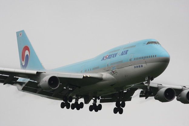 Photos: B747-400 HL7493 KAL RJCC 2012.06