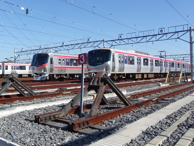 Photos: TX-2000系 2172F&TX-1000系 TX-1101F