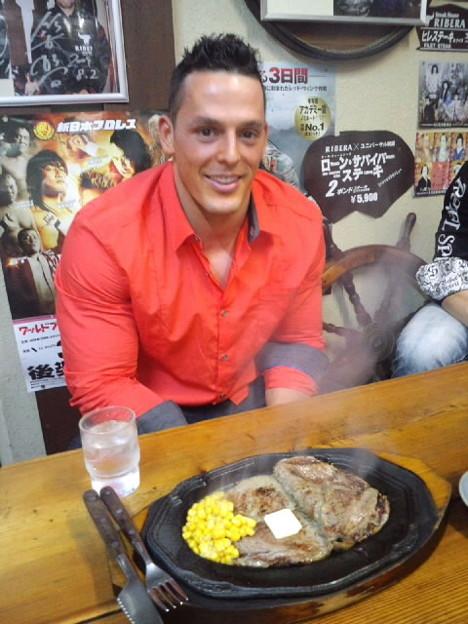 TNA世界タッグ王者のロビ... - ...