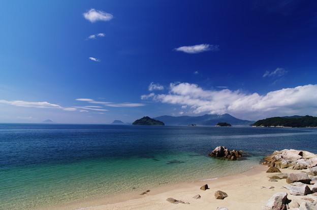 四ツ子島を望む浜辺