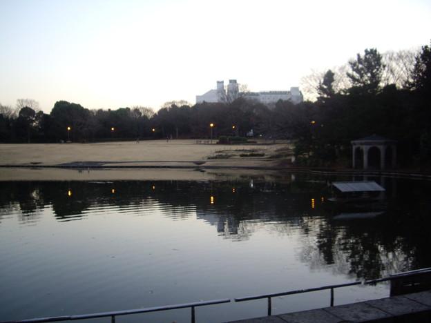 パルテノン多摩・多摩中央公園