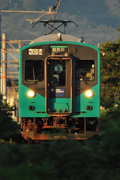夕日を浴びて 加古川を目指す