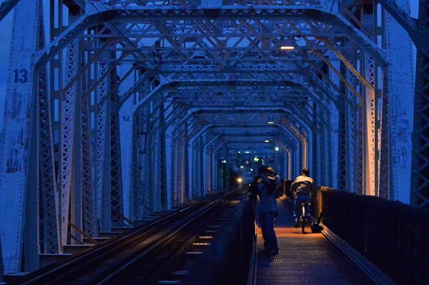夕暮れの赤川橋梁