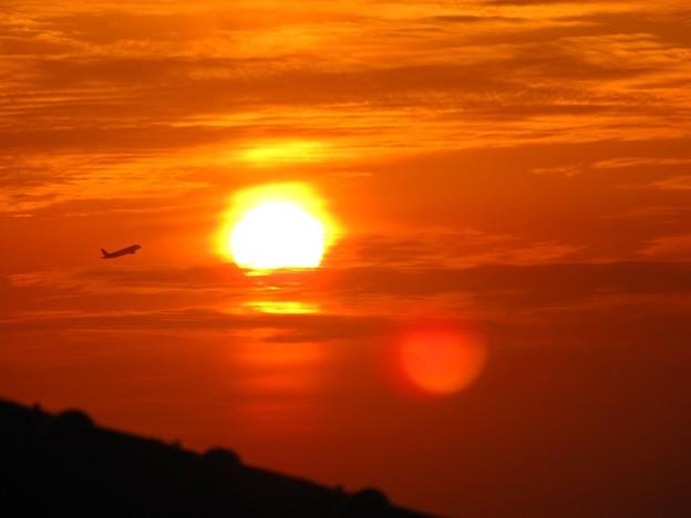 「夕日・・と・・機影・・」 ・・・・