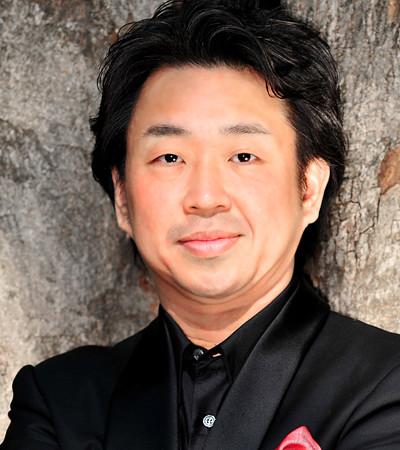 Makoto Kuraishi  Japanese tenor singer ( English )