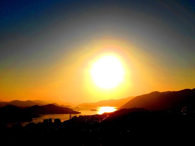 ムンクチックな真冬の夕陽