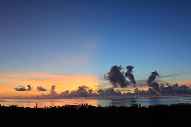 石垣島 不思議な日の出