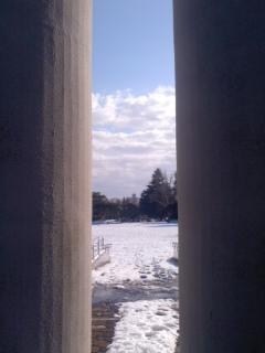 英霊から見た雪景色。