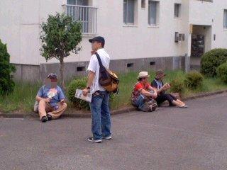 ポスティングチーム休憩中(8月22日)