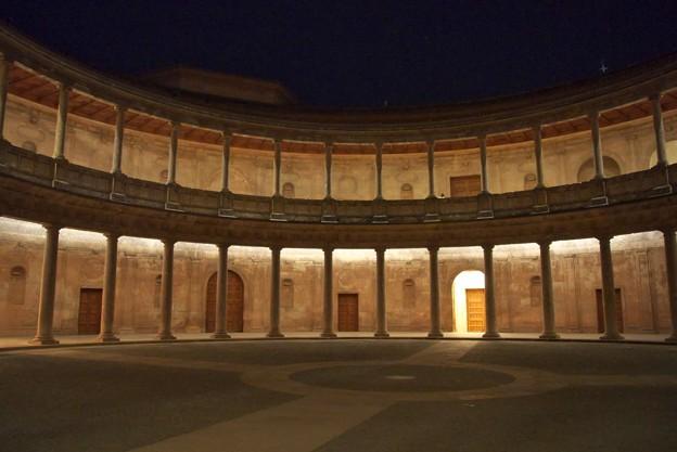 グラナダ:アランブラ宮殿・チャールズ5世宮殿(夜景)