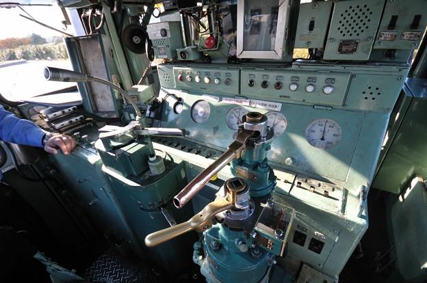 1118-23-運転席