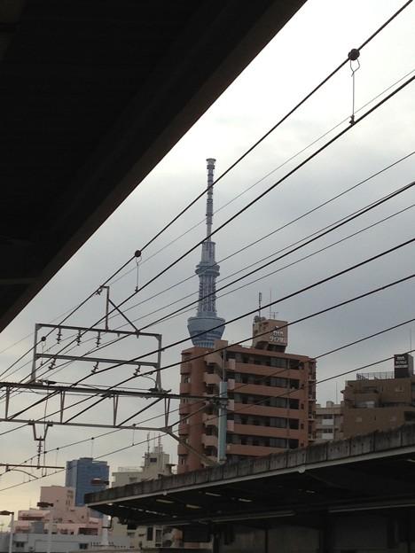 東向島駅より。12:00頃。