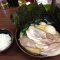 Photos: 横浜家系ラーメン 新宿家 高円寺店